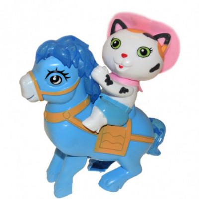 Žaislinė katytė ant ponio