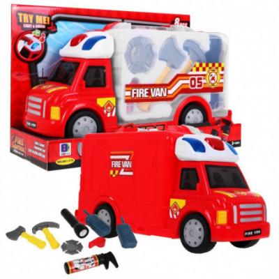 Gaisrinės sunkvežimis su gelbėtojo priedais