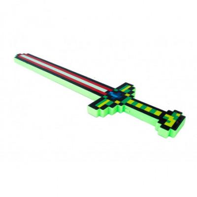 Šviečiantis ir garsus skleidžiantis Minecraft stiliaus kardas